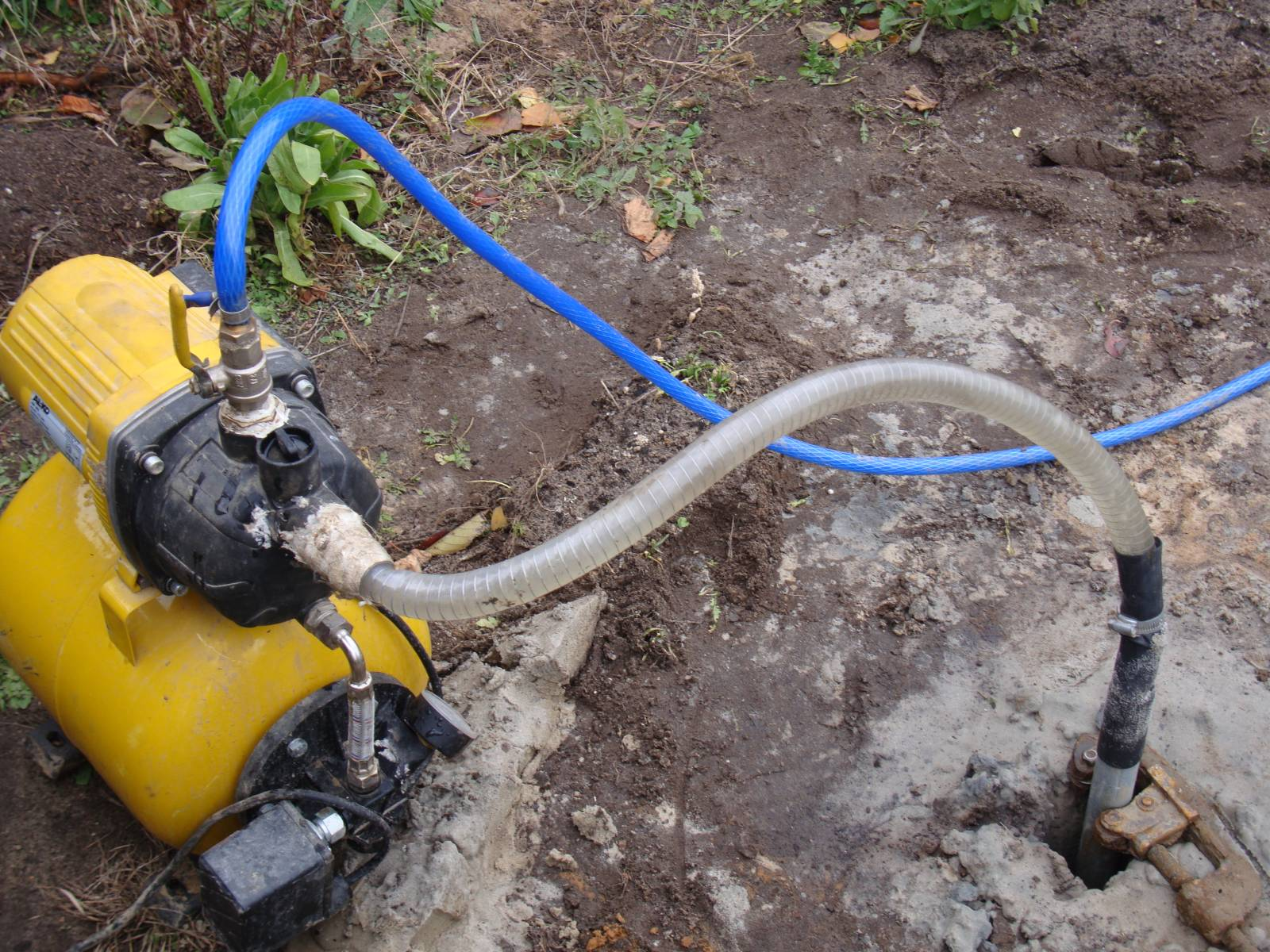 Откачка воды в домашних условиях 4