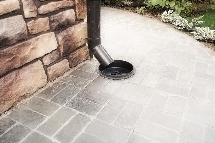 Дождеприемник для ливневой канализации фото