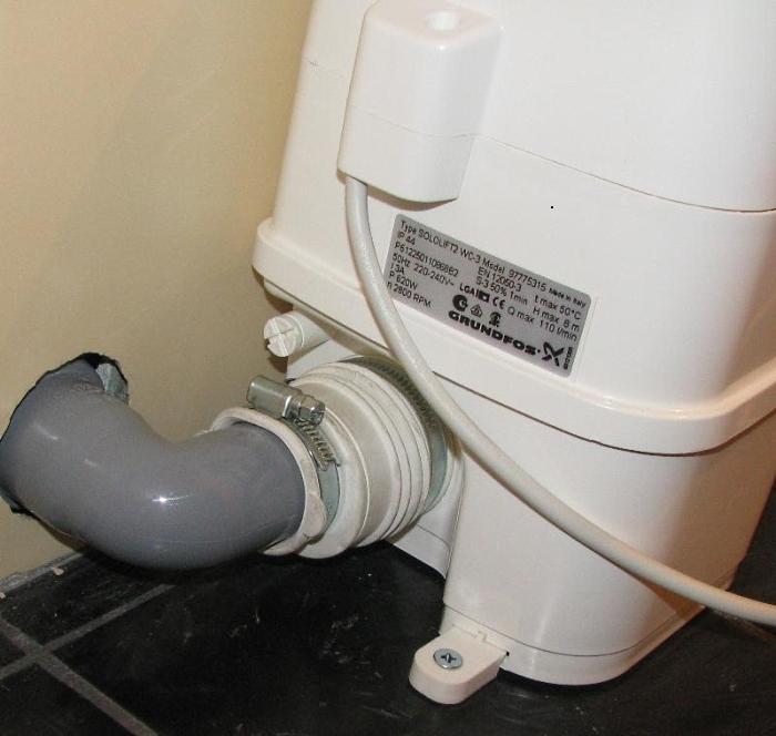 Принудительную канализацию можно подключить как к унитазу, так и к раковине, стиральной машине и т.д.