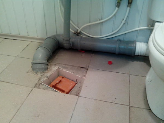 Пример установки обратного клапана в туалете
