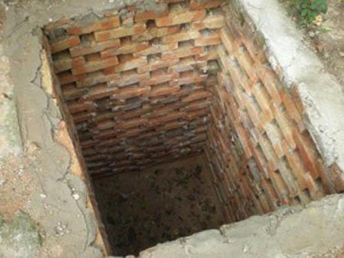 Кирпичная кладка ямы
