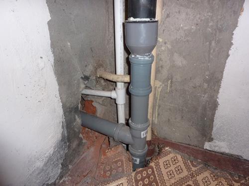 Замена чугунного тройника канализации