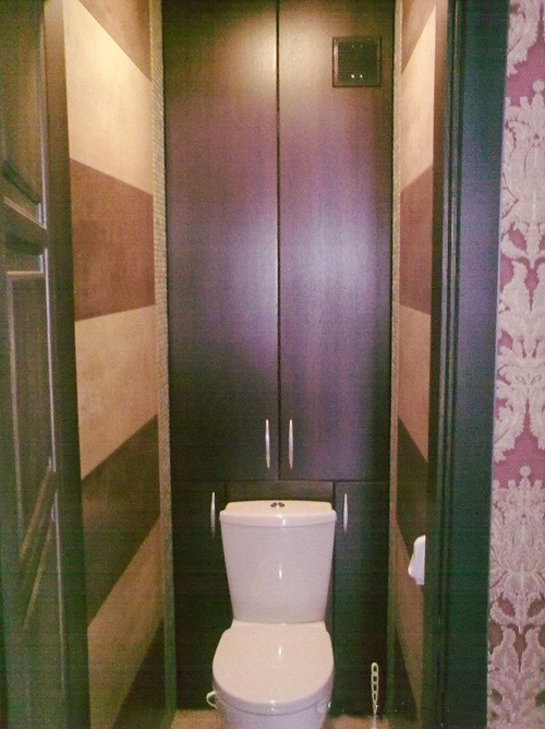 Хоз-шкаф в туалете