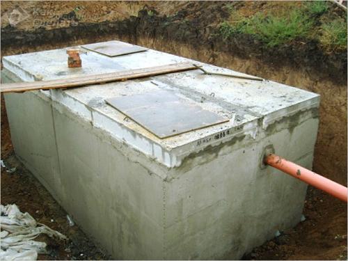 бетонный